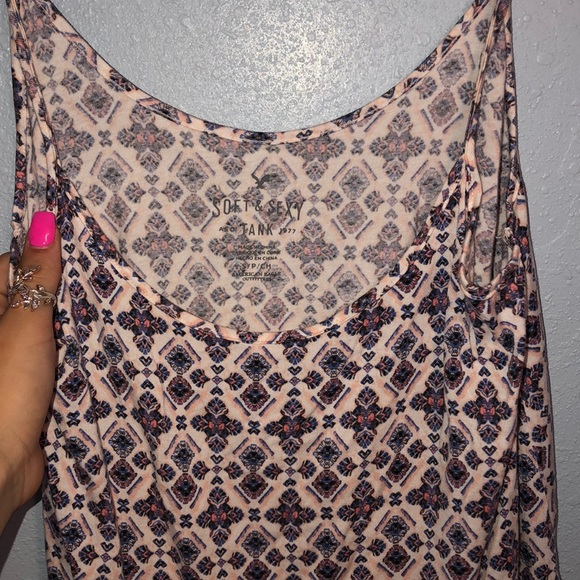 American Eagle Outfitters Tops - American eagle cami